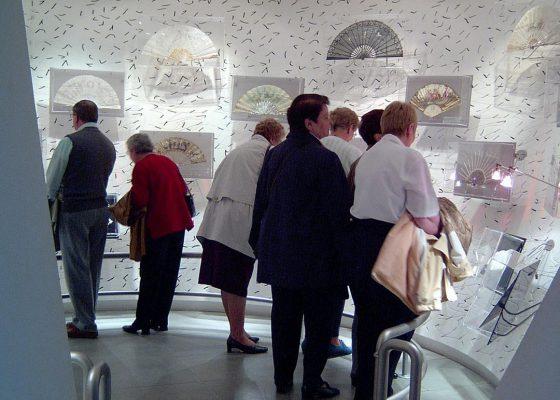 Musée de la Nacre et de la tabletterie suivi de la visite du château de Boury en Vexin.